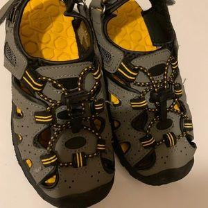 boy sandals Size 12